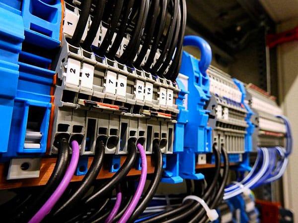 Corso-di-formazione-per-operatori-di-impianti-elettrici-bologna